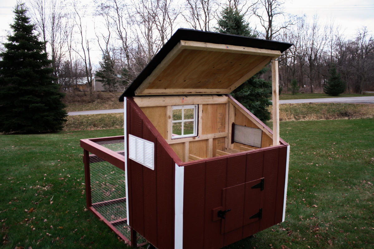 Chicken coops san antonio diy chicken coop from plans for Diy movable chicken coop